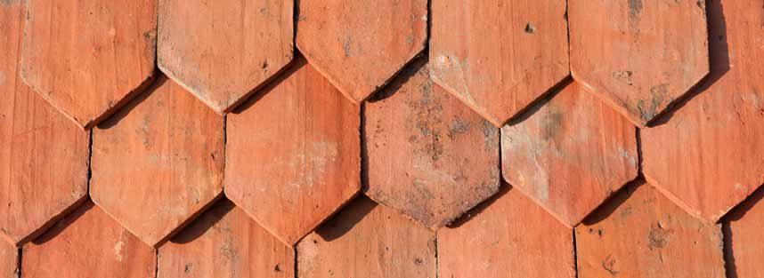 5.500Stck.. Historische mit Hand gestrichene Biberschwanzziegel – Gothikziegel