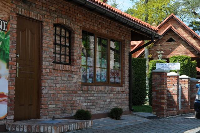Alte Reichsfromatziegel auf Fassade
