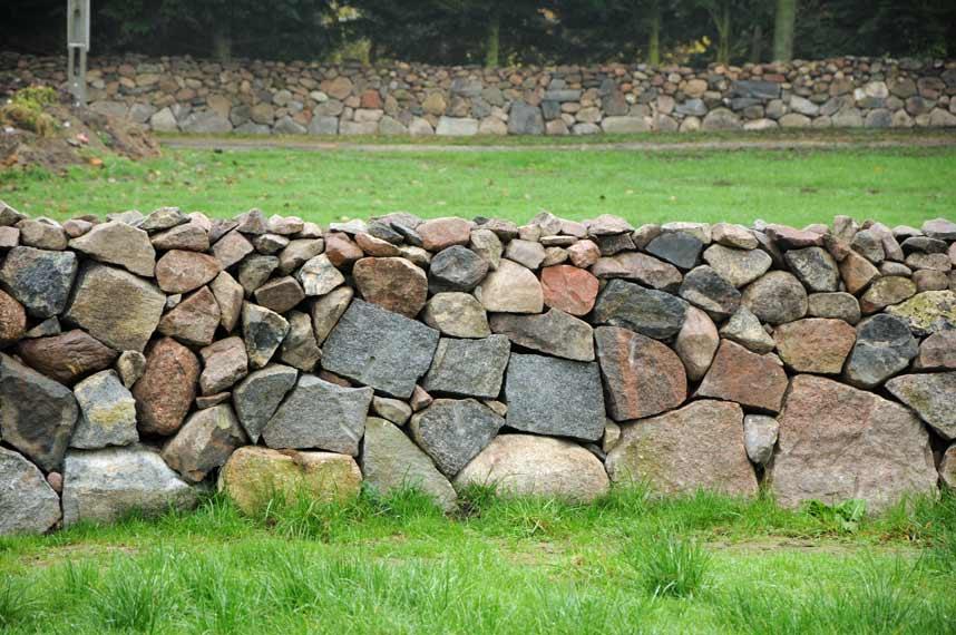 Trockenmauer 130 cm hoch